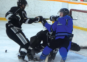 Icedogs dispatch Tomahawks, face High Prairie in the final
