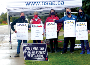 Nurses, supporters stage info picket